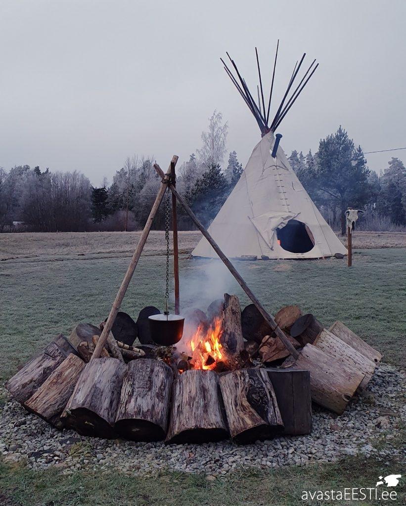 Jõe Puhketalu Indiaaniküla Täiskuumatk (Marko Kaldur)