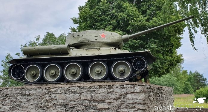 T-34 monument (Marko Kaldur)